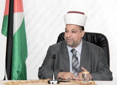 سماحة الشيخ يوسف ادعيس وزير الأوقاف والشؤون الدينية